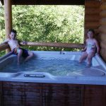 Log Lodge Hot Tub